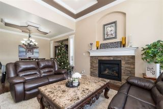 Photo 7: 2721 CARRIAGE Court: House for sale in Abbotsford: MLS®# R2528026