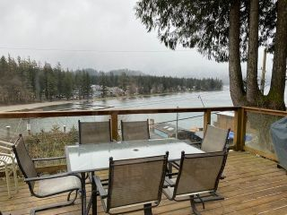 "Photo 13: 312 MUNROE Avenue: Cultus Lake House for sale in ""Cultus Lake Park"" : MLS®# R2537492"