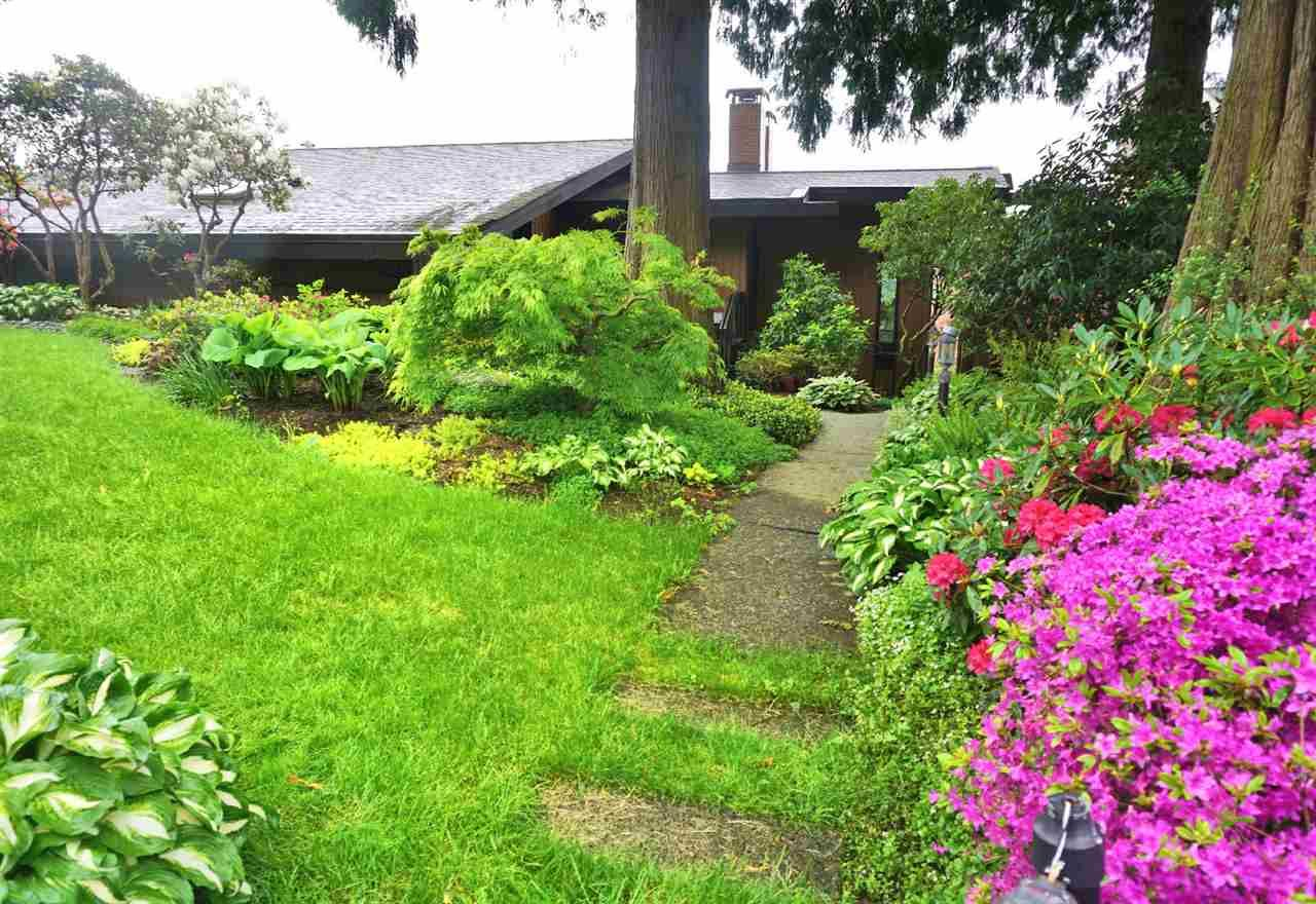Photo 1: Photos: 10040 TIMBERLINE Place in Chilliwack: Little Mountain House for sale : MLS®# R2167640