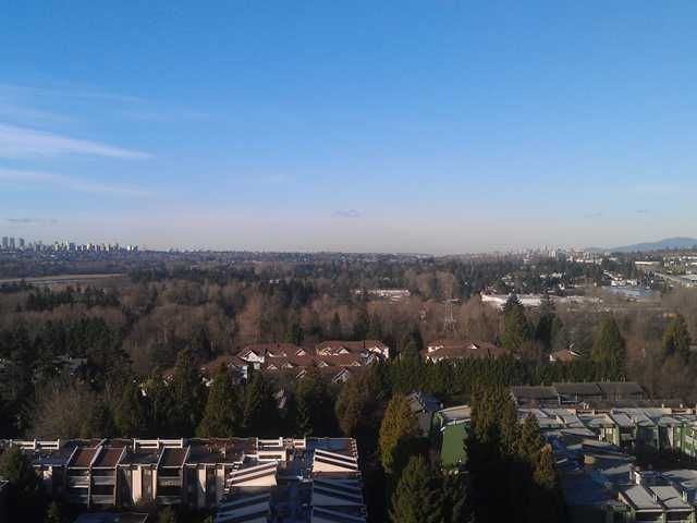 """Main Photo: 1502 3980 CARRIGAN Court in Burnaby: Government Road Condo for sale in """"DISCOVERY I"""" (Burnaby North)  : MLS®# V921894"""