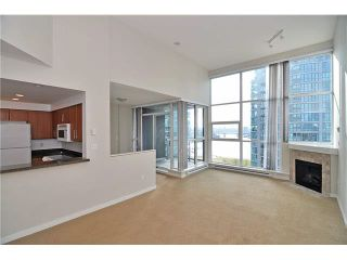 """Photo 6: 1406 189 NATIONAL Avenue in Vancouver: Mount Pleasant VE Condo for sale in """"THE SUSSEX"""" (Vancouver East)  : MLS®# V1132745"""