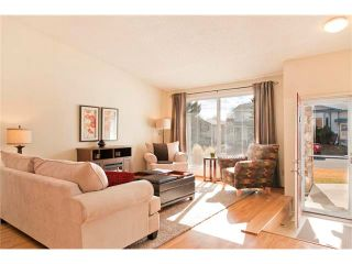 Photo 3: 28 SHAWCLIFFE Circle SW in Calgary: Shawnessy House for sale : MLS®# C4055975