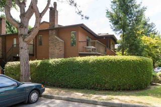 """Photo 2: 1202 10620 150 Street in Surrey: Guildford Townhouse for sale in """"Lincoln's Gate"""" (North Surrey)  : MLS®# R2187176"""