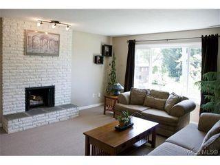 Photo 5: 970 Annie St in VICTORIA: SE Quadra Half Duplex for sale (Saanich East)  : MLS®# 606307