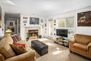 Photo 2: 205 456 Linden Ave in : Vi Fairfield West Condo for sale (Victoria)  : MLS®# 874426