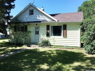 Photo 3: 102 2nd Avenue in Dinsmore: Residential for sale : MLS®# SK840827