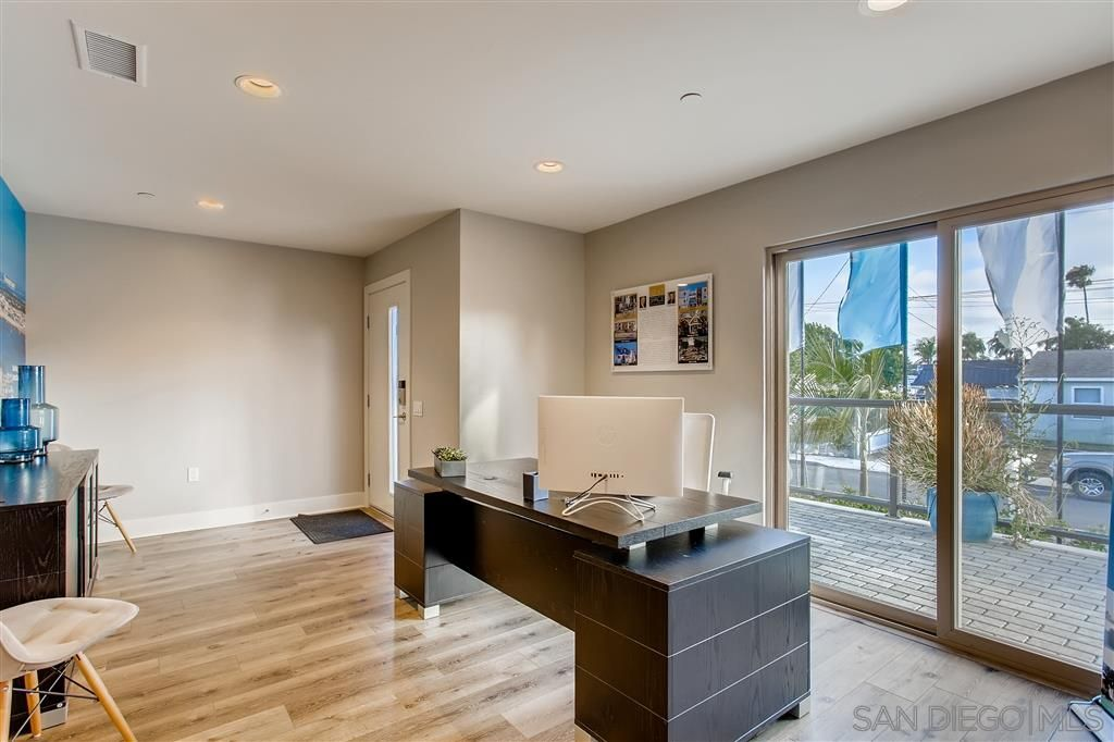Photo 9: Photos: POINT LOMA Townhouse for sale : 2 bedrooms : 3030 Jarvis #7 in San Diego