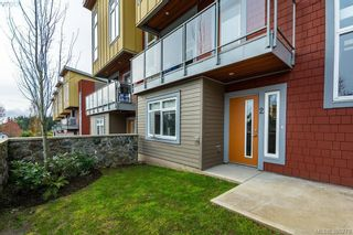 Photo 2: 2 235 Island Hwy in VICTORIA: VR View Royal Row/Townhouse for sale (View Royal)  : MLS®# 784478