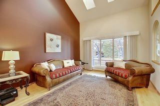 Photo 6: 84 Strathdale Close SW in Calgary: Strathcona Park Detached for sale : MLS®# A1046971