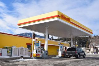 Photo 1: 1429 CARIBOO HWY in No City Value: FVREB Out of Town Business with Property for sale : MLS®# C8024040