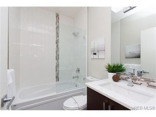 Photo 13: Fee Simple Townhome in Sidney By The Sea