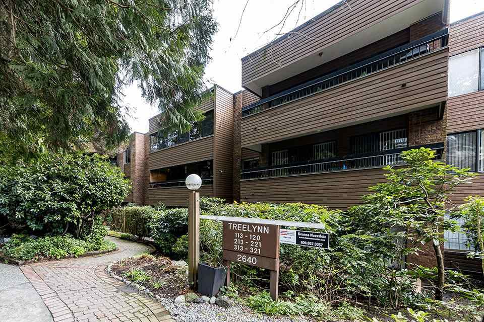 """Main Photo: 221 2640 FROMME Road in North Vancouver: Lynn Valley Condo for sale in """"TREELYNN"""" : MLS®# R2562547"""