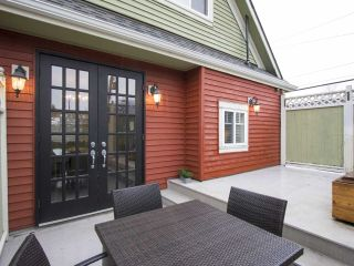Photo 12: 2336 WOODLAND Drive in Vancouver: Grandview VE House for sale (Vancouver East)  : MLS®# R2222417