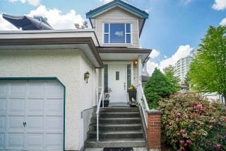 """Photo 2: 54 10038 150 Street in Surrey: Guildford Townhouse for sale in """"Mayfield Green"""" (North Surrey)  : MLS®# R2585108"""
