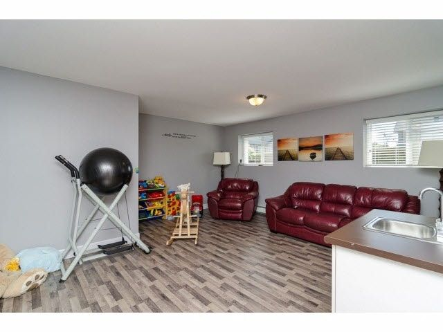 Photo 19: Photos: 6303 167B Street in Surrey: Cloverdale BC House for sale (Cloverdale)  : MLS®# R2123835