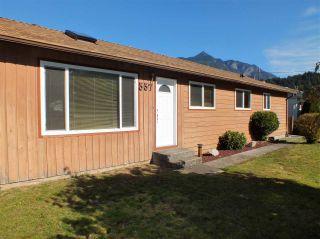 Photo 2: 557 RUPERT Street in Hope: Hope Center House for sale : MLS®# R2414830