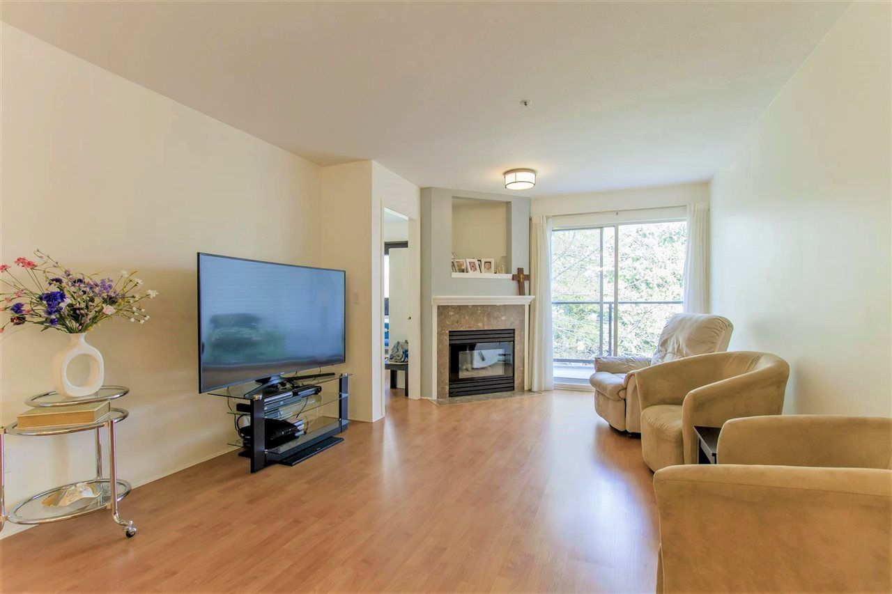 """Main Photo: 304 2285 WELCHER Avenue in Port Coquitlam: Central Pt Coquitlam Condo for sale in """"BISHOP ON THE PARK"""" : MLS®# R2364230"""