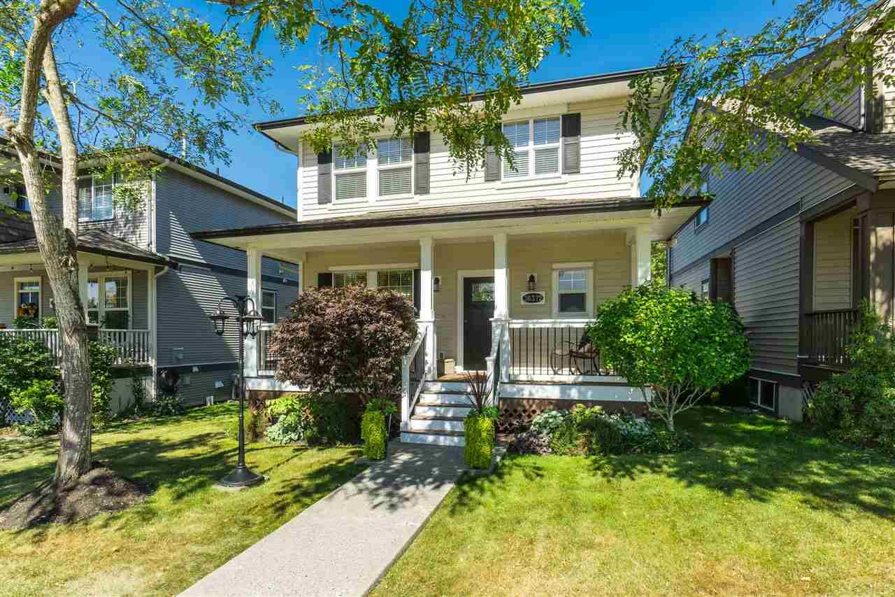 """Main Photo: 36372 STEPHEN LEACOCK Drive in Abbotsford: Abbotsford East House for sale in """"Auguston"""" : MLS®# R2498729"""