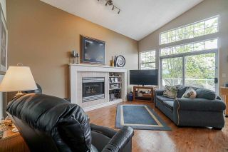 """Photo 11: 25 5221 OAKMOUNT Crescent in Burnaby: Oaklands Townhouse for sale in """"SEASONS BY THE LAKE"""" (Burnaby South)  : MLS®# R2573570"""