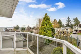 "Photo 26: 942 PARKER Street: White Rock House for sale in ""EAST BEACH"" (South Surrey White Rock)  : MLS®# R2447986"