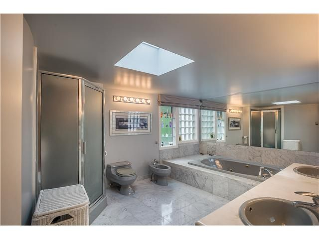 Photo 6: Photos: 4220 Starlight Way in North Vancouver: Upper Delbrook House for sale : MLS®# v1079788