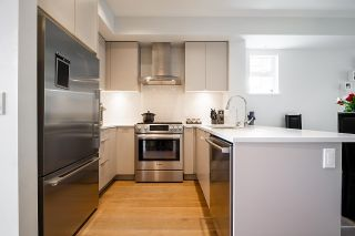 """Photo 11: 8576 OSLER Street in Vancouver: Marpole Townhouse for sale in """"Osler Residences"""" (Vancouver West)  : MLS®# R2580301"""