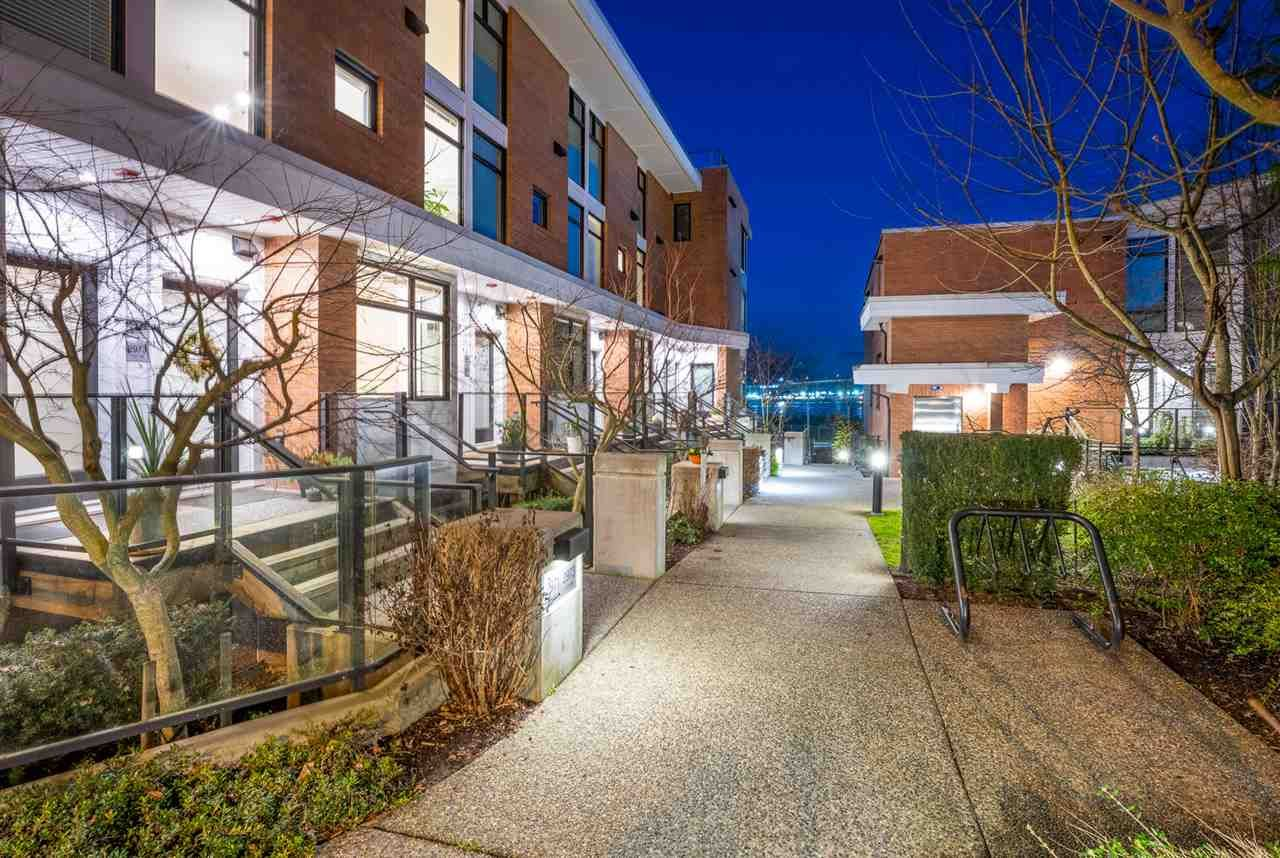 """Main Photo: 2975 WALL Street in Vancouver: Hastings Sunrise Townhouse for sale in """"AVANT"""" (Vancouver East)  : MLS®# R2533143"""