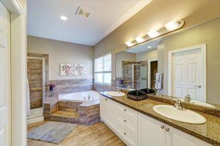 Photo 11: 3255 CAMELBACK Lane in Coquitlam: Westwood Plateau House for sale : MLS®# R2425810