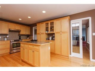 Photo 5: 808 Bexhill Pl in VICTORIA: Co Triangle House for sale (Colwood)  : MLS®# 628092