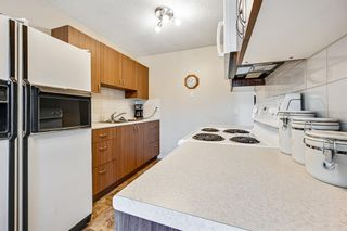 Photo 10: 313 42 Street SE in Calgary: Forest Heights Semi Detached for sale : MLS®# A1118275