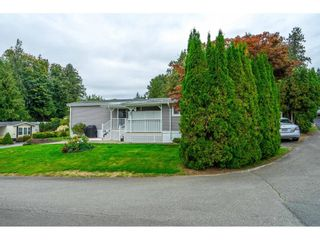 """Photo 4: 31 2035 MARTENS Street in Abbotsford: Abbotsford West Manufactured Home for sale in """"Maplewood Estates"""" : MLS®# R2624613"""