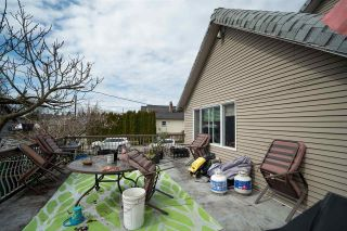 "Photo 17: 2504 NAPIER Street in Vancouver: Renfrew VE House for sale in ""RENFREW"" (Vancouver East)  : MLS®# R2449289"