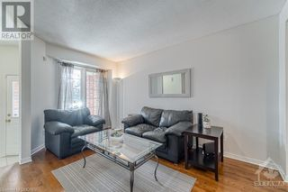 Photo 2: 1564 DUPLANTE Avenue in Ottawa: House for lease : MLS®# 40162711