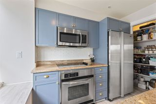 "Photo 13: 301 2436 W 4TH Avenue in Vancouver: Kitsilano Condo for sale in ""The Pariz"" (Vancouver West)  : MLS®# R2575423"