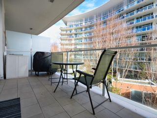 Photo 4: 317 68 Songhees Rd in : VW Songhees Condo for sale (Victoria West)  : MLS®# 864090