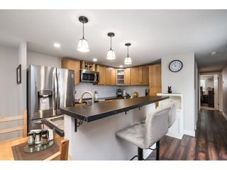"""Photo 10: 31 2035 MARTENS Street in Abbotsford: Abbotsford West Manufactured Home for sale in """"Maplewood Estates"""" : MLS®# R2624613"""