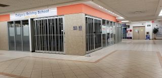 Photo 4: 1518 CENTER ST N.E in CALGARY: Commercial for sale or lease (Calgary)  : MLS®# C4247750