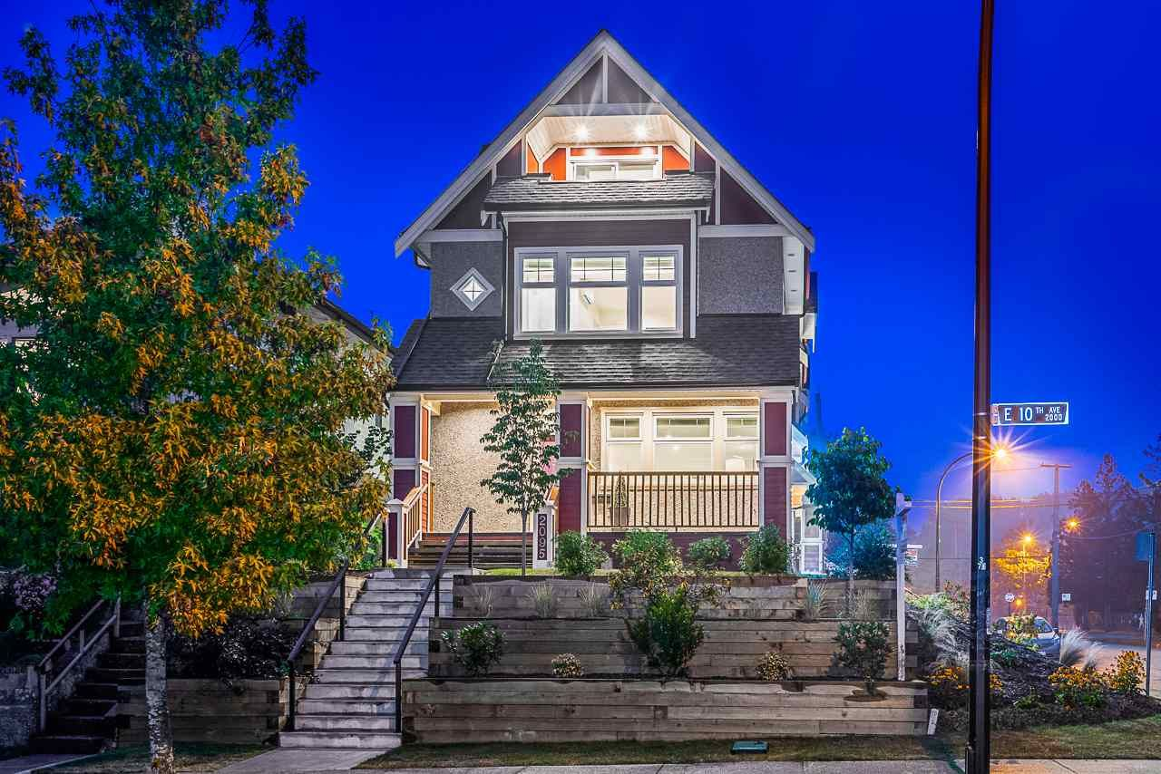 Main Photo: 2095 E 10TH Avenue in Vancouver: Grandview Woodland 1/2 Duplex for sale (Vancouver East)  : MLS®# R2500962