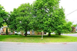 Photo 2: Main Fl 261 S Taylor Mills Drive in Richmond Hill: Crosby House (Bungalow) for lease : MLS®# N2919504