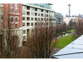 """Photo 9: 407 2181 W 12TH Avenue in Vancouver: Kitsilano Condo for sale in """"THE CARLINGS"""" (Vancouver West)  : MLS®# V987441"""