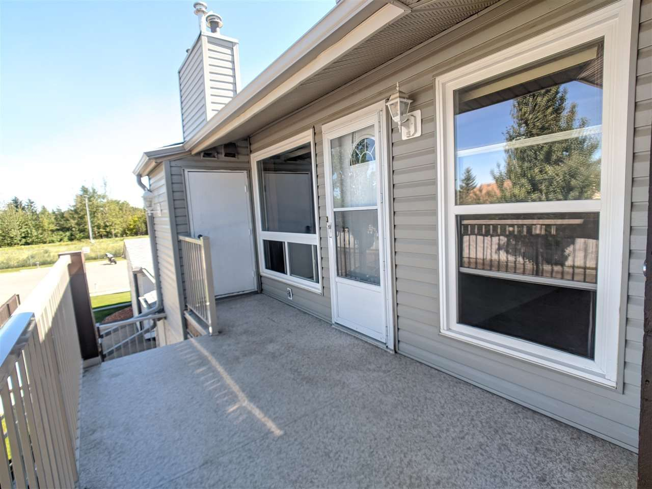 Main Photo: 9367 172 Street in Edmonton: Zone 20 Carriage for sale : MLS®# E4233789