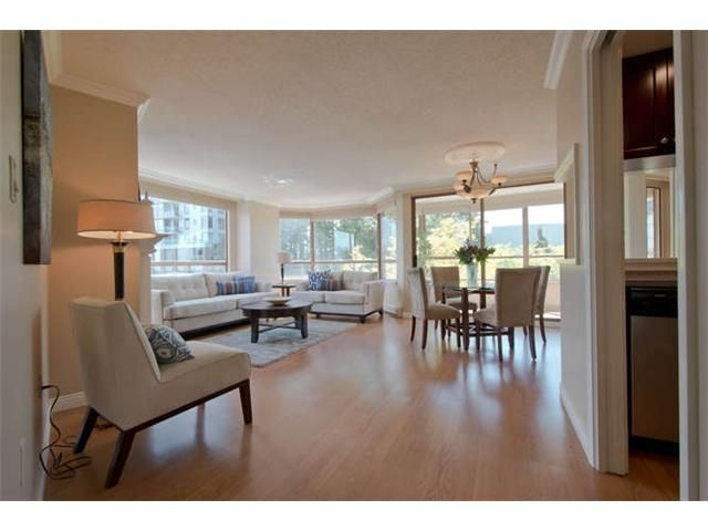 "Main Photo: 309 15111 RUSSELL Avenue: White Rock Condo for sale in ""Pacific Terrace"" (South Surrey White Rock)  : MLS®# F1409806"