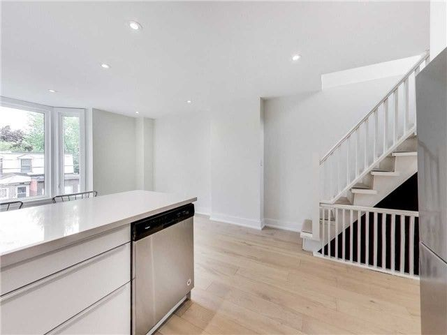Photo 9: Photos: 601 C Pape Avenue in Toronto: South Riverdale House (2 1/2 Storey) for lease (Toronto E01)  : MLS®# E4139176
