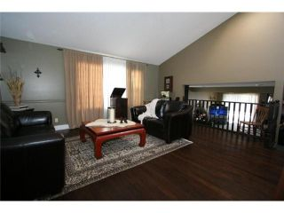 Photo 3: 155 VALLEY MEADOW Close NW in CALGARY: Valley Ridge Residential Detached Single Family for sale (Calgary)  : MLS®# C3425305