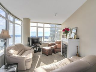 "Photo 2: 2501 888 CARNARVON Street in New Westminster: Downtown NW Condo for sale in ""MARINUS"" : MLS®# R2115352"