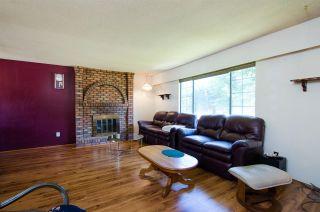 Photo 3: 5423 47 Avenue in Delta: Delta Manor House for sale (Ladner)  : MLS®# R2288023