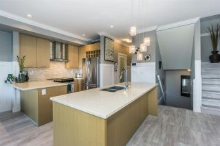 Photo 5: 7 9989 E BARNSTON Drive in Surrey: Fraser Heights Townhouse for sale (North Surrey)  : MLS®# R2249315