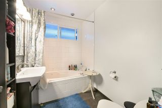 """Photo 24: 3825 W 19TH Avenue in Vancouver: Dunbar House for sale in """"Dunbar"""" (Vancouver West)  : MLS®# R2495475"""