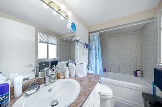 """Photo 20: 2651 WESTVIEW Drive in North Vancouver: Upper Lonsdale Townhouse for sale in """"CYPRESS GARDENS"""" : MLS®# R2587577"""