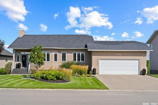 Photo 1: 60 Rosewood Drive in Lumsden: Residential for sale : MLS®# SK869894